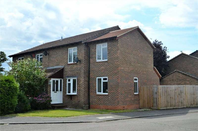 3 Bedrooms End Of Terrace House for sale in Torcross Grove, Calcot, Reading, Berkshire, RG31