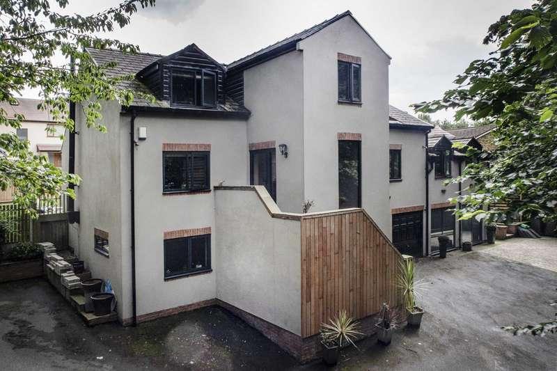 4 Bedrooms Detached House for sale in Malton House, Bradstock Gardens, Morley, Leeds, LS27 9PD