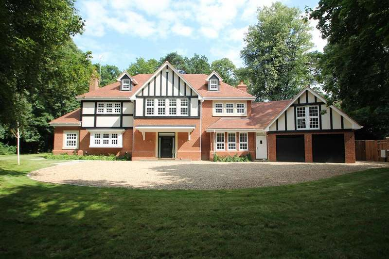 6 Bedrooms Detached House for sale in Chaucer Grove, Camberley, GU15