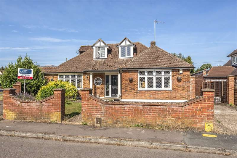 4 Bedrooms Detached Bungalow for sale in Deancroft Road, Chalfont St. Peter, Gerrards Cross, Buckinghamshire, SL9