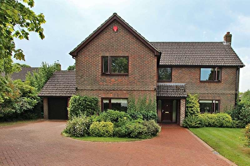 4 Bedrooms Detached House for sale in Forest Glade Close, Brockenhurst