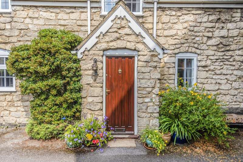 2 Bedrooms Cottage House for sale in Paganhill Lane, Stroud