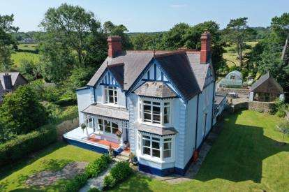 8 Bedrooms Detached House for sale in Llanallgo, Moelfre, Sir Ynys Mon, Anglesey, LL72