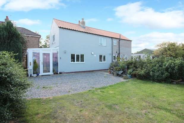 Detached House for sale in Main Road, Alford, Lincolnshire, LN13 0LD