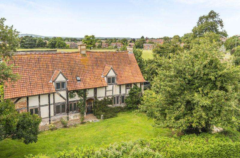 4 Bedrooms Unique Property for sale in Stroud Road, Gloucester