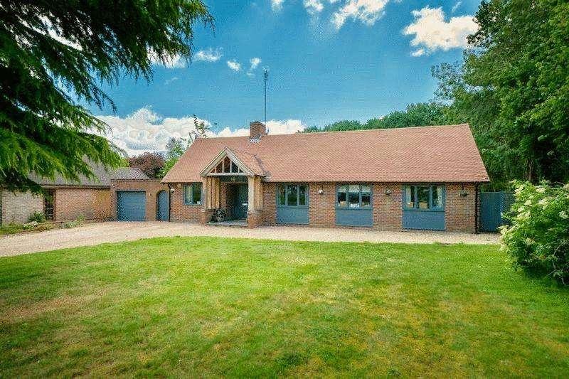 6 Bedrooms Detached House for sale in Oakway, Studham
