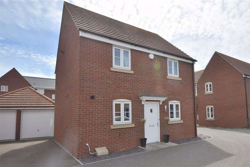 3 Bedrooms Detached House for sale in Drydock Way, Hempsted, GL2