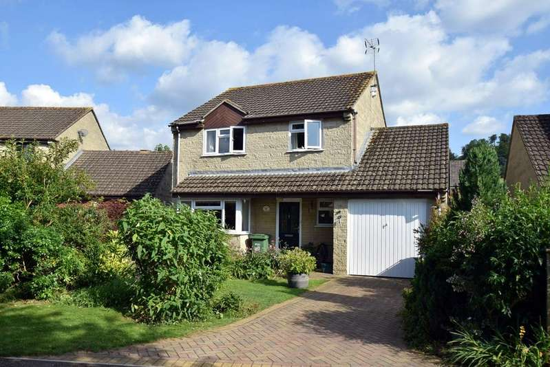 3 Bedrooms Detached House for sale in Coldwell Close, Kings Stanley, Stonehouse, GL10