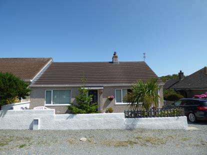 2 Bedrooms Bungalow for sale in Mill Road, Holyhead, Sir Ynys Mon, LL65