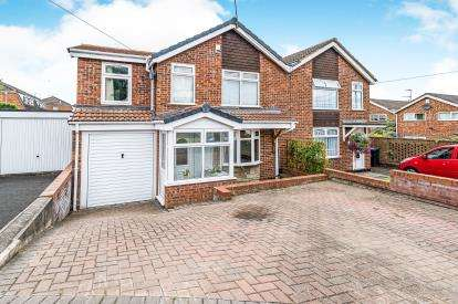 4 Bedrooms Semi Detached House for sale in Southcott Avenue, Withymoor, Brierley Hill, West Midlands