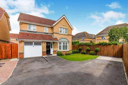 4 Bedrooms Detached House for sale in Middleton Close, Eaglescliffe, Stockton-On-Tees