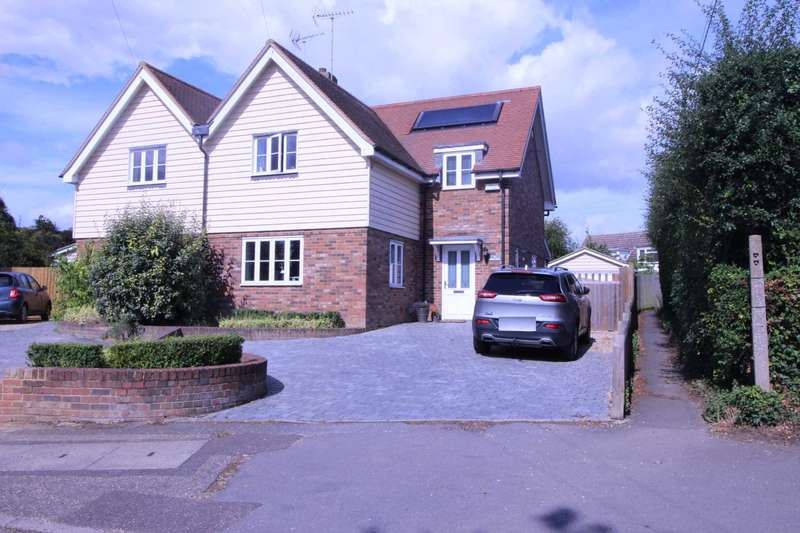 4 Bedrooms Semi Detached House for sale in Tilkey Road, Coggeshall