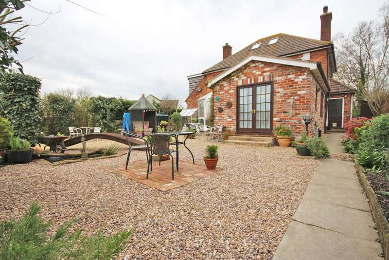 4 Bedrooms Detached House for sale in MIDDLE SYKES LANE, GRIMOLDBY