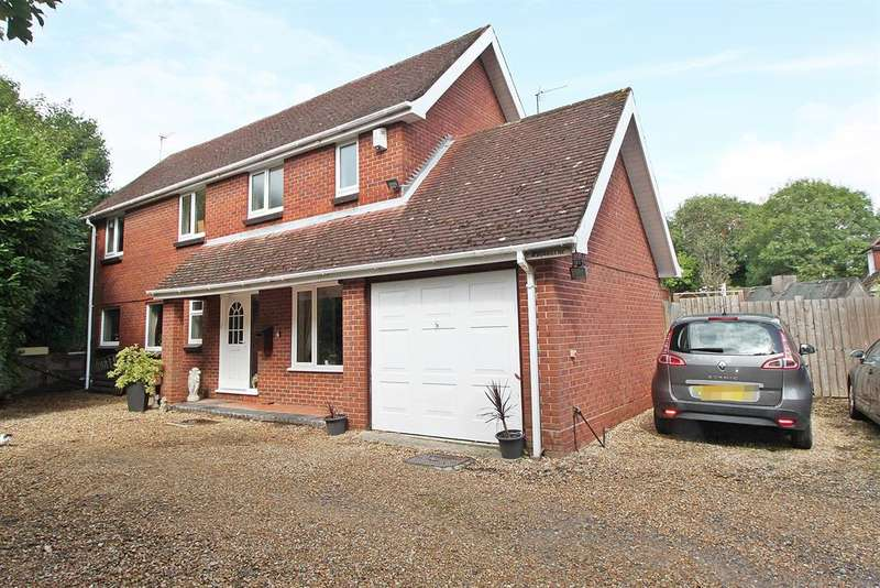 4 Bedrooms Detached House for sale in Gashouse Hill, Netley Abbey, Southampton, SO31 5AP