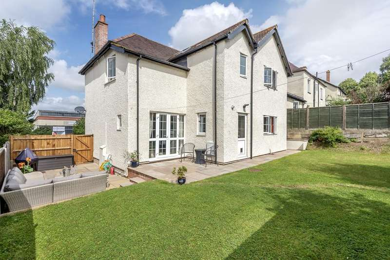 4 Bedrooms Detached House for sale in Stroud