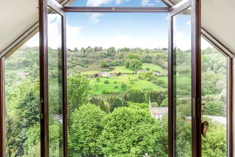 4 Bedrooms Detached House for sale in Thrupp, Stroud