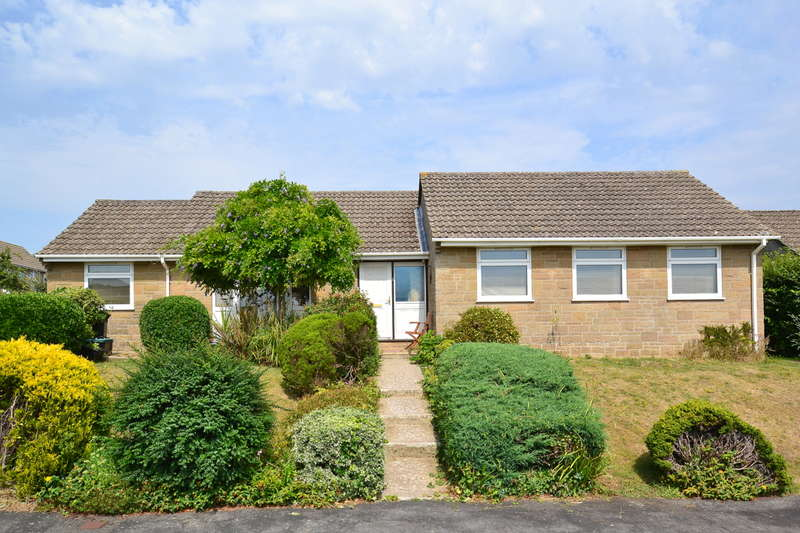 3 Bedrooms Detached Bungalow for sale in Wincanton, Somerset, BA9