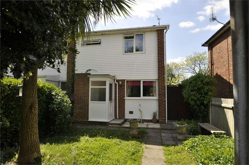 2 Bedrooms Semi Detached House for sale in Kings Arms Lane, RINGWOOD, Hampshire
