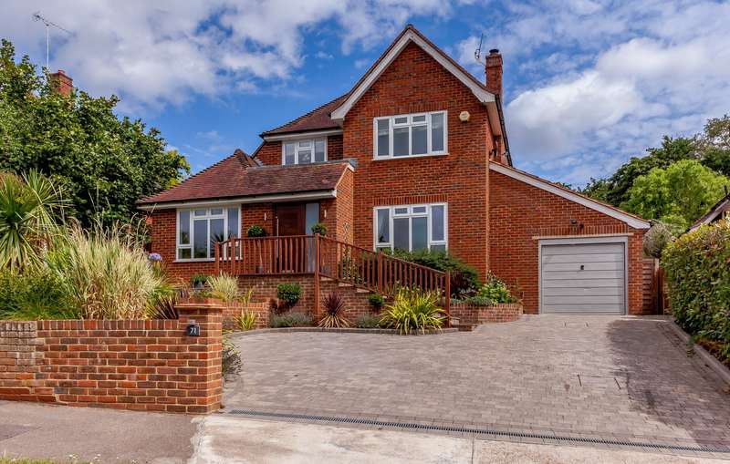 5 Bedrooms Detached House for sale in Lodge Close, Stoke D'Abernon, Cobham, KT11