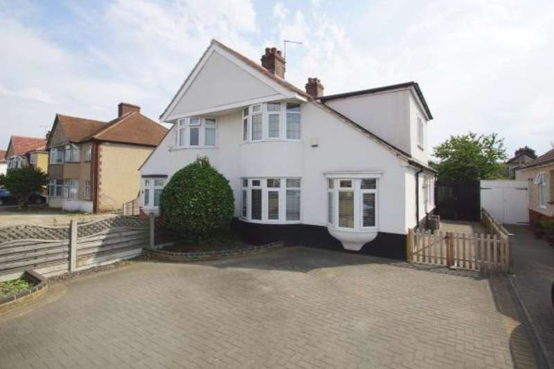 4 Bedrooms Semi Detached House for sale in Bellegrove Road, Welling, Kent, DA16