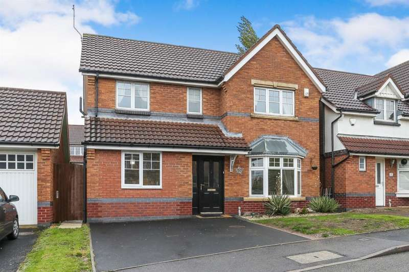 4 Bedrooms Detached House for sale in Tiverton Drive, West Bromwich, West Midlands, B71