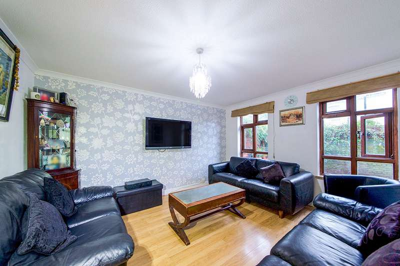 3 Bedrooms House for sale in Pine Avenue, London, E15