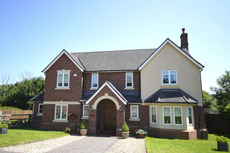5 Bedrooms Detached House for sale in Morda Close, Oswestry, Shropshire, SY11