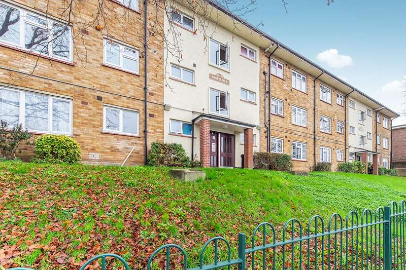 2 Bedrooms Apartment Flat for sale in Shorts Way, Rochester, Kent, ME1