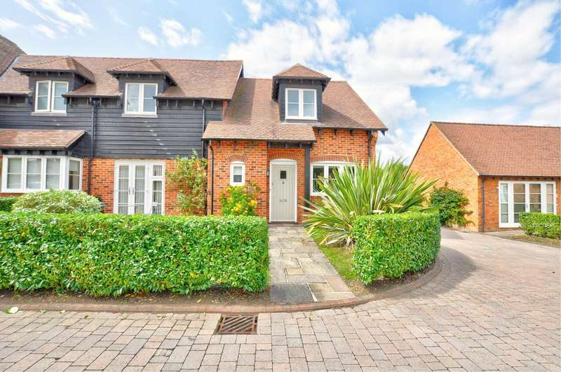 3 Bedrooms Semi Detached House for rent in Honey Lane, Maidenhead