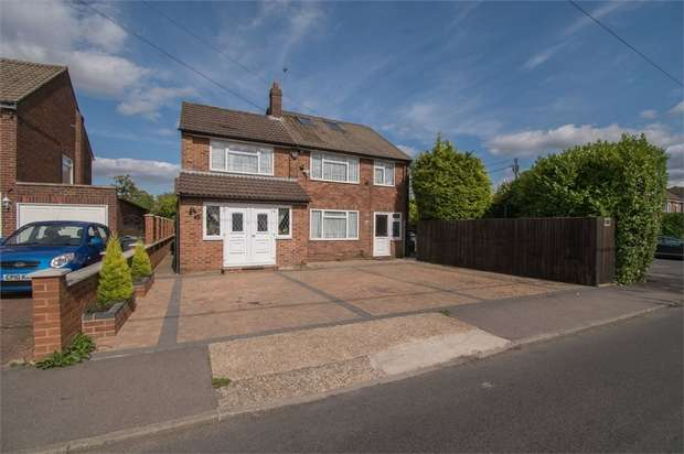 6 Bedrooms Detached House for sale in Great Hivings, Chesham, Buckinghamshire