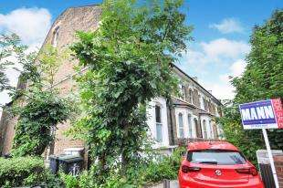 2 Bedrooms Flat for sale in Stanstead Road, Catford, London, .