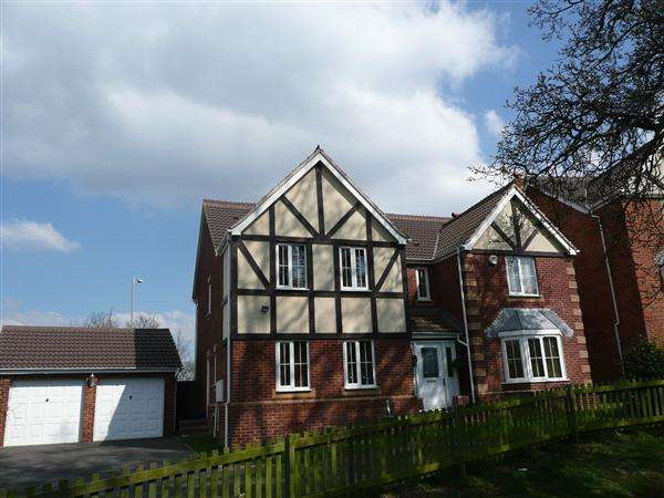 5 Bedrooms Detached House for sale in Castle Wood, Chepstow