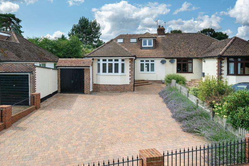 4 Bedrooms Semi Detached Bungalow for sale in Woodside Road, Woodside
