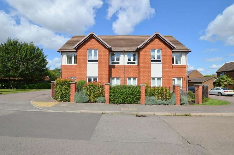 2 Bedrooms Apartment Flat for sale in Hughes Court, Lucas Gardens, Barton Hills, Luton, Bedfordshire, LU3 4BN