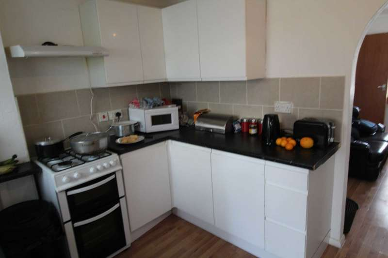 2 Bedrooms House for sale in Teal Close, E16 3TP