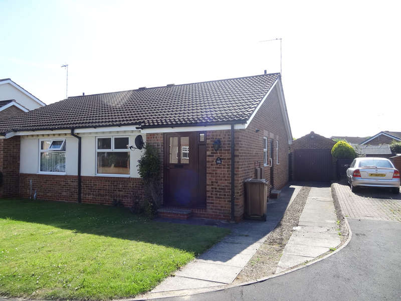 2 Bedrooms Semi Detached Bungalow for rent in Woldholme Avenue, Driffield
