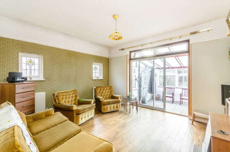 3 Bedrooms Bungalow for rent in Woodside Road, Bromley, BR1