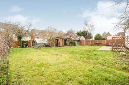4 Bedrooms End Of Terrace House for sale in Grove Road, Leighton Buzzard, ., Bedfordshire