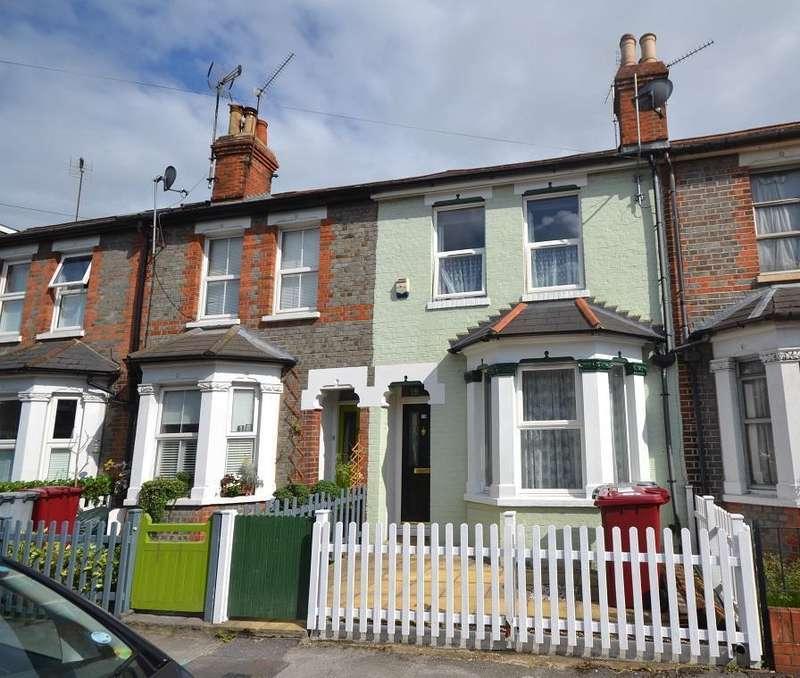 3 Bedrooms Terraced House for sale in De Montfort Road, Reading