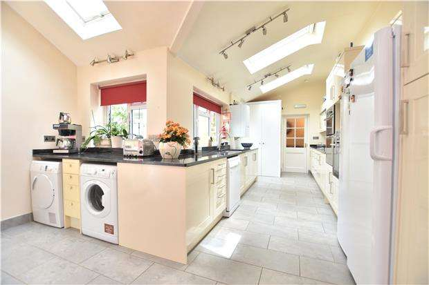 7 Bedrooms Terraced House for sale in Crescent Gardens, BATH, Somerset, BA1 2NA