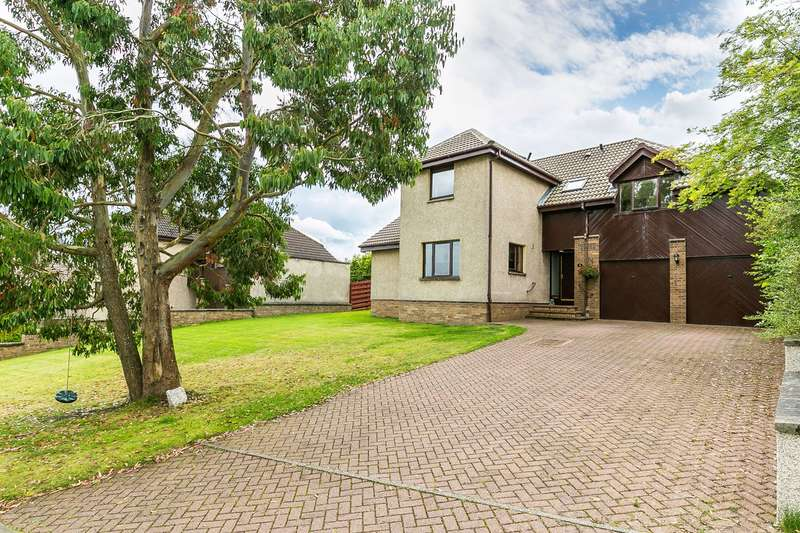 5 Bedrooms Detached House for sale in Red Fox Crescent, Penicuik, EH26