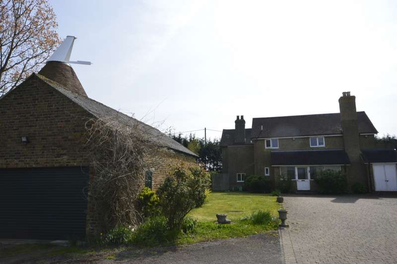 4 Bedrooms Detached House for sale in Malmaynes Hall Road, Upper Stoke, Rochester, Kent, ME3