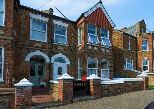 5 Bedrooms Semi Detached House for sale in Avenue Road, Hunstanton, Norfolk