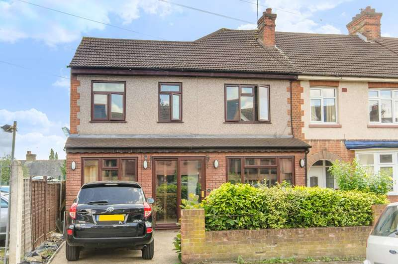 4 Bedrooms End Of Terrace House for sale in Pretoria Road, Chingford, E4