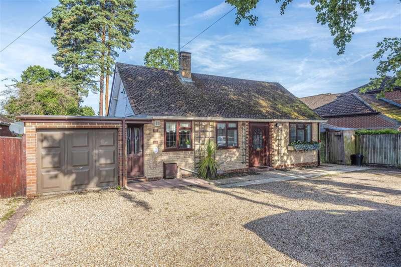 2 Bedrooms Detached Bungalow for sale in Sandhurst Road, Crowthorne