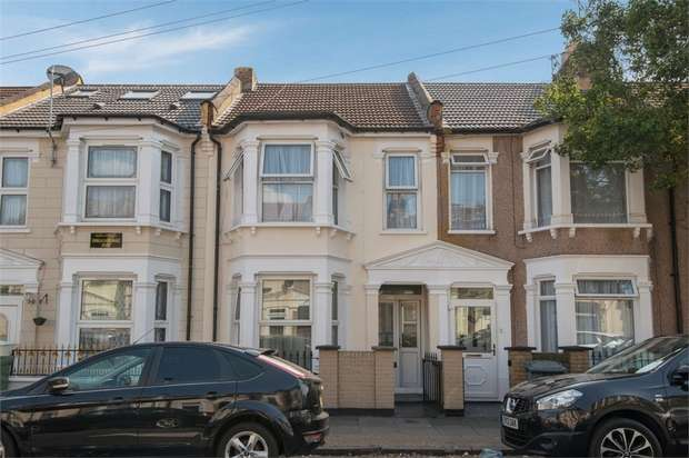 3 Bedrooms Terraced House for sale in Grosvenor Road, London