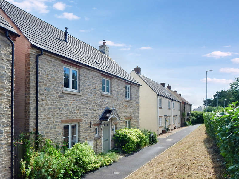 4 Bedrooms Detached House for sale in Cuckoo Hill, Bruton