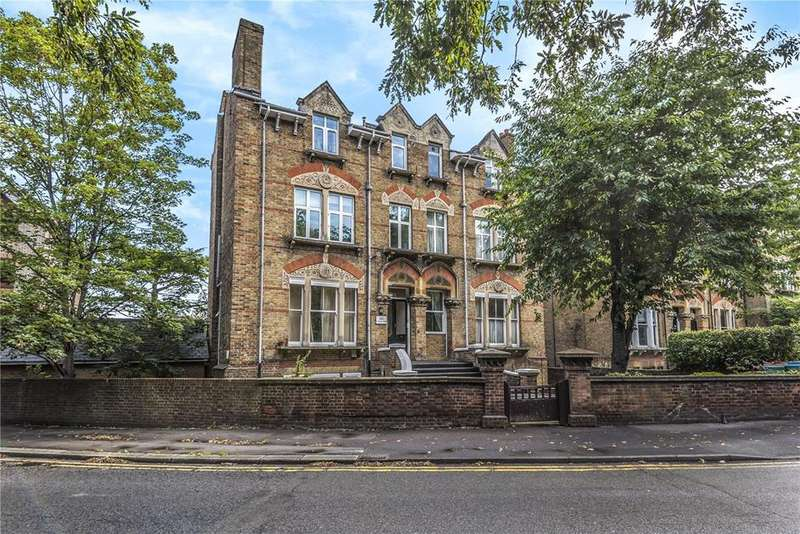 2 Bedrooms Flat for sale in Osborne Road, Windsor, Berkshire, SL4