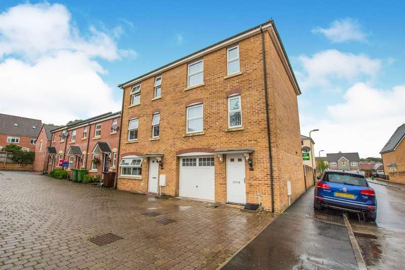 4 Bedrooms Town House for sale in Red Kite Close, Penallta, Hengoed