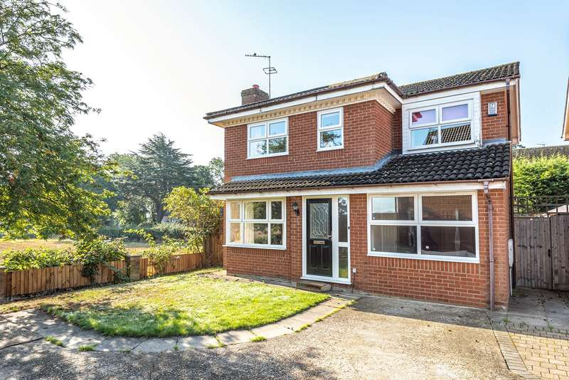 4 Bedrooms Detached House for sale in Moor Lane, Flitwick, MK45